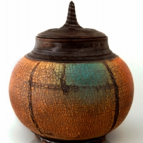 02-cracked-vessel-pottery